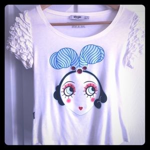 One of a kind moschino graphic tee